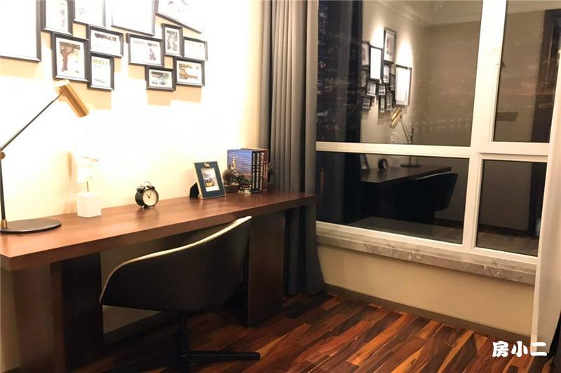 88平2室2厅1卫 书房