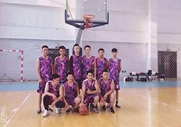 用篮球的热情,用兄弟的激情,奋战赛事